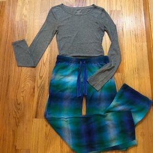 Xhilaration 2pc Pajama Set Jersey Top Flannel Pant